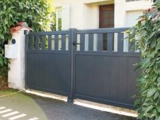 Aluminium driveway gate - Access Tolon